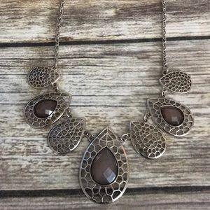 Jewelry - Smokey statement necklace